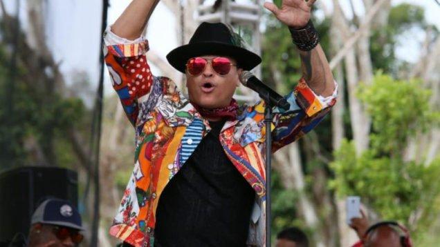 Elvis Crespo Rompe record