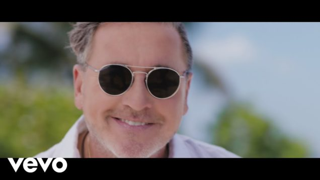 Ricardo Montaner ft. Farruko – Vasito de Agua (Official Video)