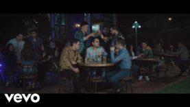 Banda Los Recoditos – Esta Va Por Ti (Official Video)