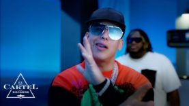 Daddy Yankee & Sech – Definitivamente (Video Oficial)