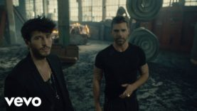 Sebastián Yatra, Ricky Martin – Falta Amor (Official Video)