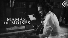 Ricardo Arjona – Mamás de Moises (Official Video)