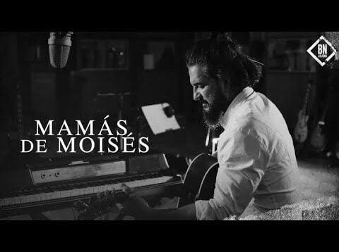 Ricardo Arjona – Mamás de Moises (Official Video)