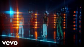 CNCO – Un Beso (Official Video)