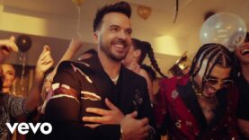 Luis Fonsi, Rauw Alejandro – Vacío (Official Video)
