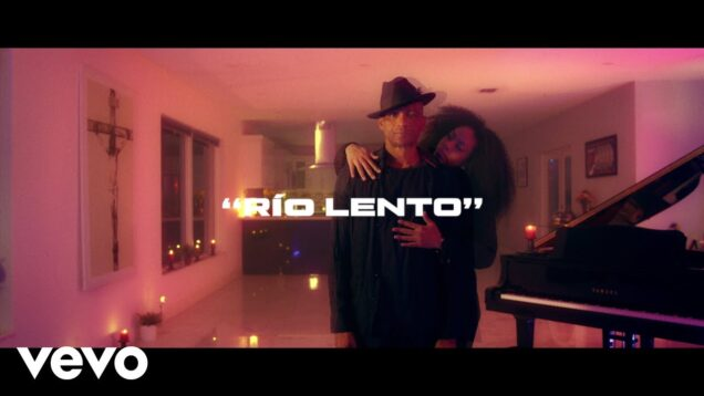 Descemer Bueno – Río Lento (Official Video)